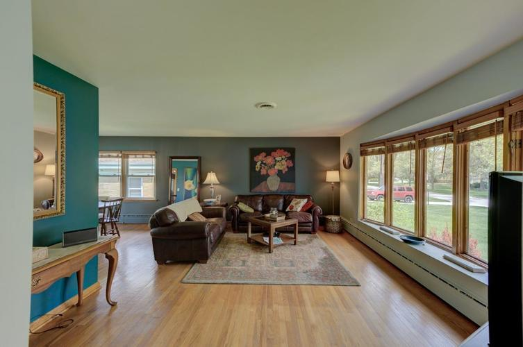 8222 Baring Avenue Munster IN 46321 | MLS 474359 | photo 2