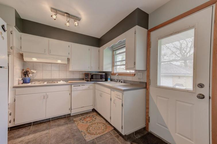 8222 Baring Avenue Munster IN 46321 | MLS 474359 | photo 7