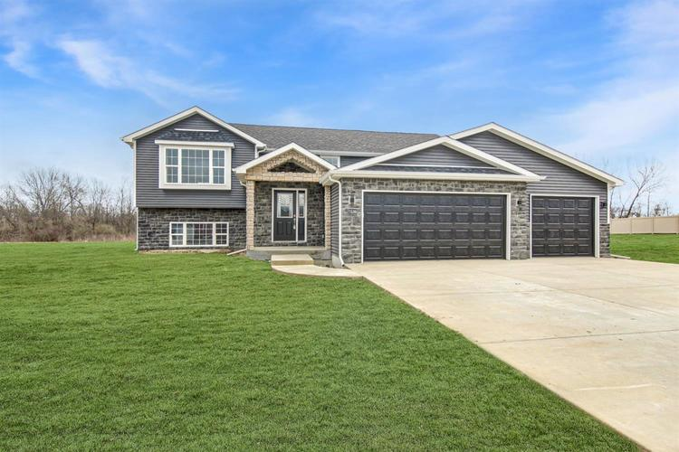 3801 W 105th Avenue Crown Point IN 46307 | MLS 474486 | photo 1