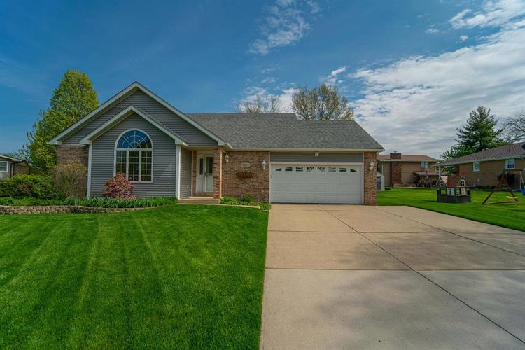 3024 Sunrise Drive Crown Point IN 46307 | MLS 474582 | photo 1