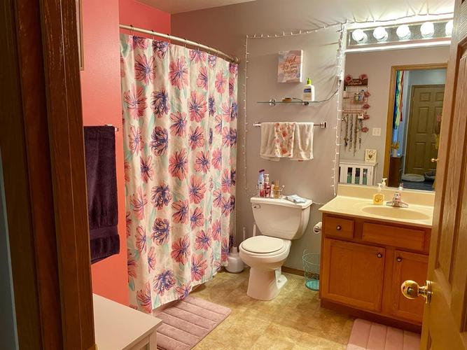 8222 Lincoln Circle Merrillville IN 46410 | MLS 473550 | photo 20