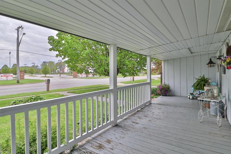 1410 E North Street Crown Point IN 46307 | MLS 474754 | photo 3