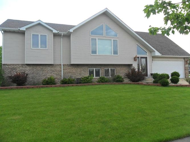 8912 King Place Crown Point IN 46307   MLS 474744   photo 1