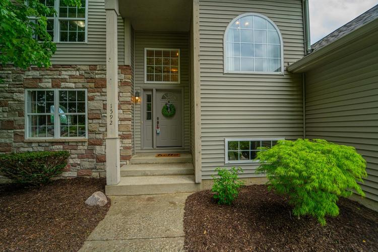 1592 Colonial Drive Chesterton IN 46304 | MLS 474874 | photo 2