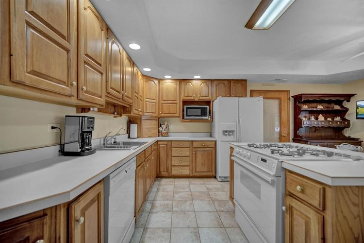 6291 S State Road 10 Knox IN 46534 | MLS 474899 | photo 15