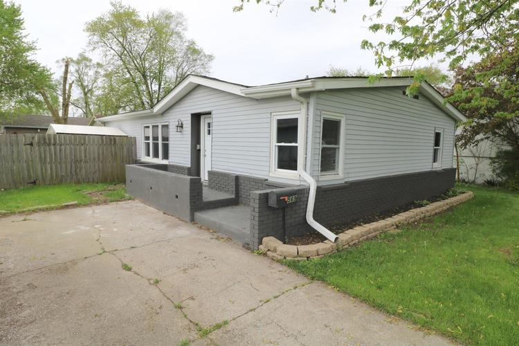 569 E Anderson Street Crown Point IN 46307 | MLS 475013 | photo 1