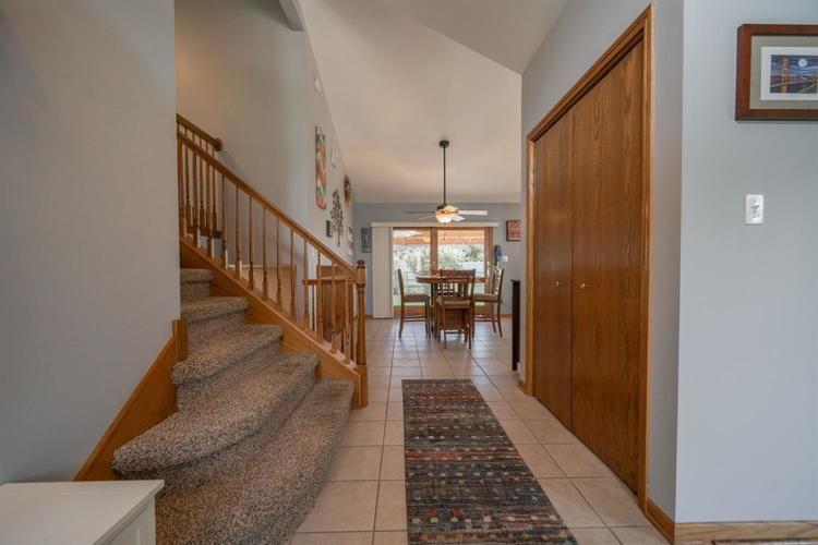 2660 Squire Drive Dyer IN 46311 | MLS 475192 | photo 3