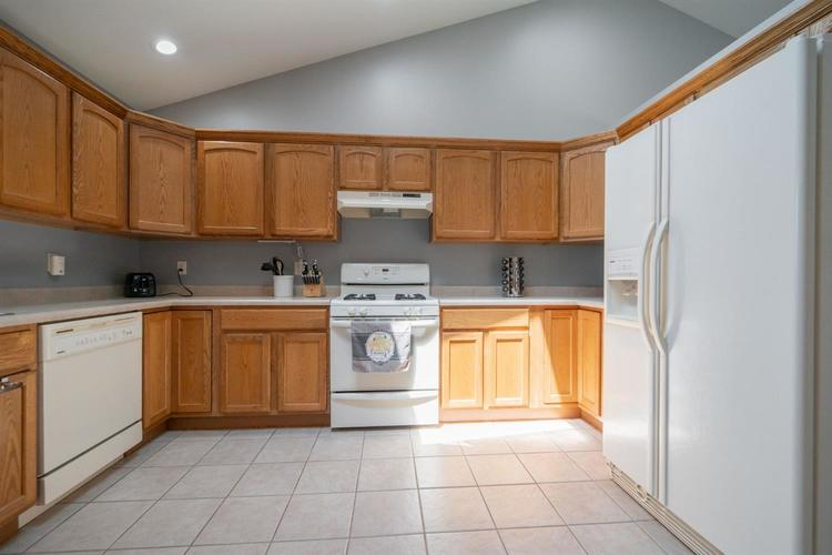 2660 Squire Drive Dyer IN 46311 | MLS 475192 | photo 8