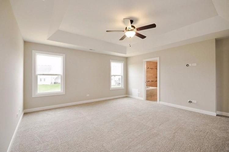 867 Schilling Drive Crown Point IN 46307 | MLS 475476 | photo 4