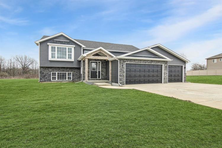 3801 W 105th Avenue Crown Point IN 46307 | MLS 475496 | photo 1