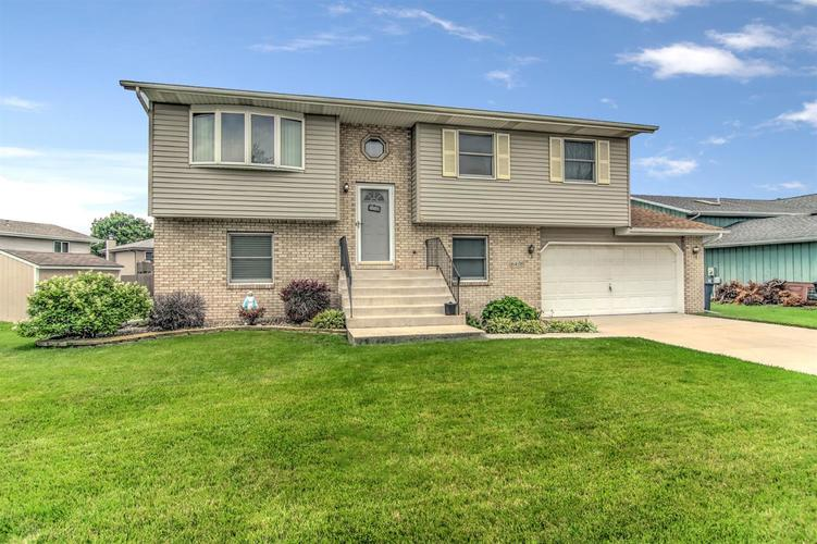 6498 W 86th Avenue Crown Point IN 46307 | MLS 476940 | photo 1