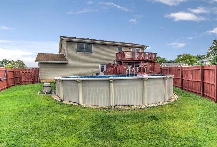 6498 W 86th Avenue Crown Point IN 46307 | MLS 476940 | photo 2