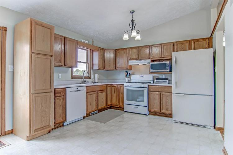 6498 W 86th Avenue Crown Point IN 46307 | MLS 476940 | photo 7
