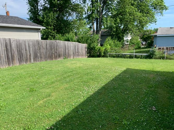 3220 W 75th Place Merrillville IN 46410 | MLS 476951 | photo 5