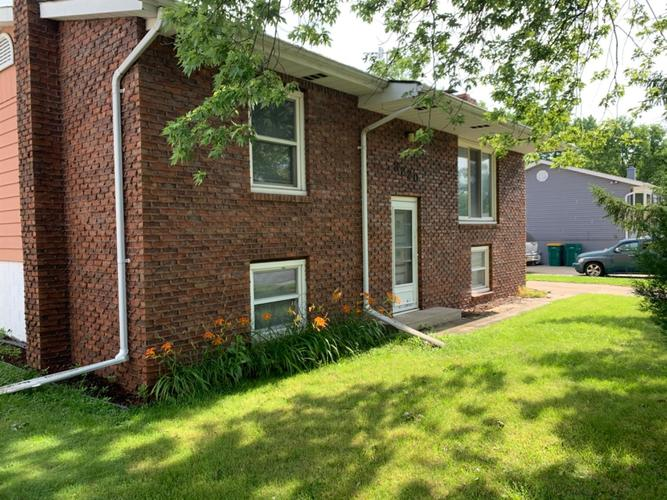 3220 W 75th Place Merrillville IN 46410 | MLS 476951 | photo 7