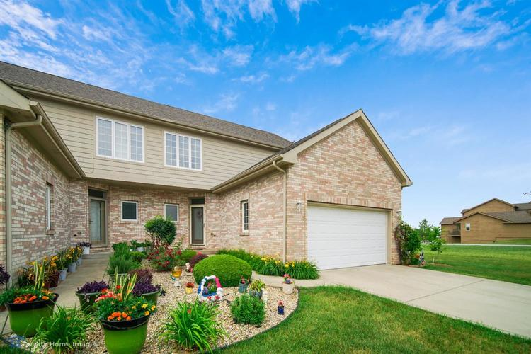 10598 Ontario Drive Crown Point IN 46307 | MLS 476776 | photo 1