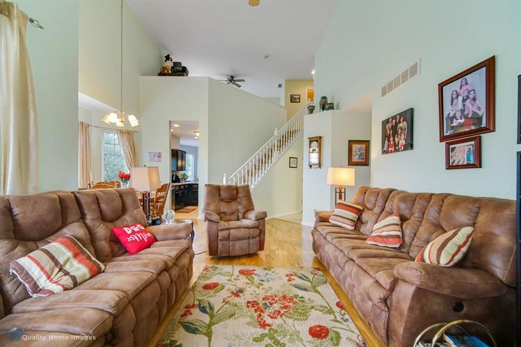 10598 Ontario Drive Crown Point IN 46307 | MLS 476776 | photo 5