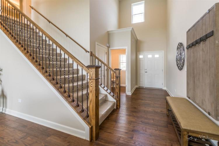 5534 Victoria Place Crown Point IN 46307 | MLS 477206 | photo 4