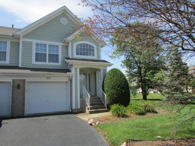 924 Boxwood Drive Munster IN 46321 | MLS 477744 | photo 1