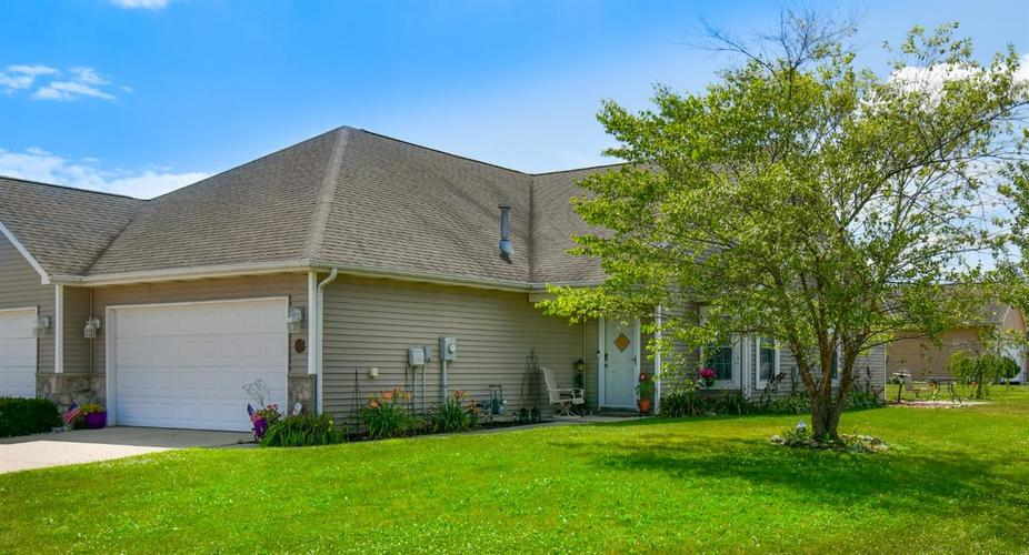 10530 Maine Drive Crown Point IN 46307 | MLS 478913 | photo 1