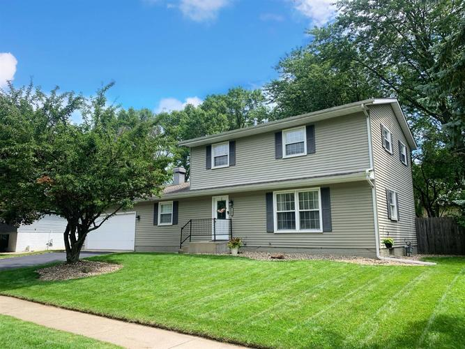 1602 Carriage Drive Valparaiso IN 46383 | MLS 478829 | photo 1