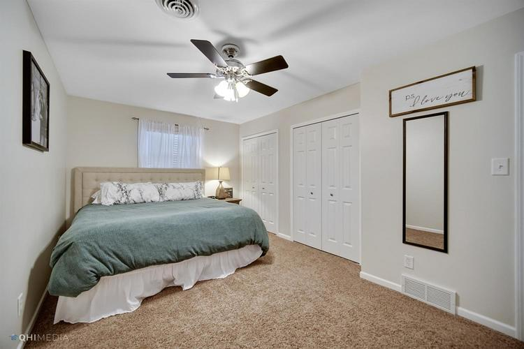 1602 Carriage Drive Valparaiso IN 46383 | MLS 478829 | photo 12