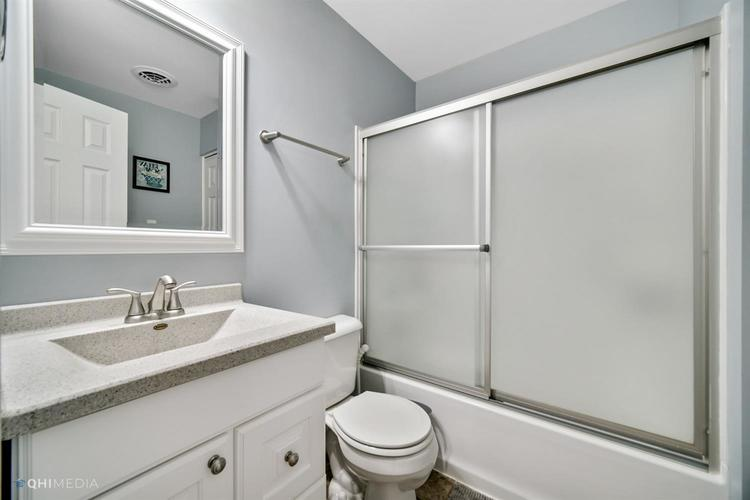 1602 Carriage Drive Valparaiso IN 46383 | MLS 478829 | photo 16