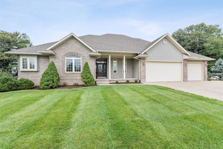 447  Meadowbrook Drive Valparaiso, IN 46383 | MLS 480593
