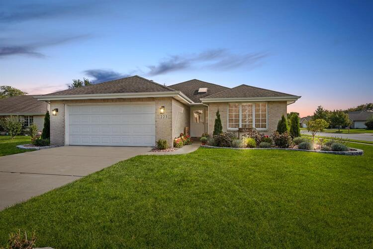 223 W 43rd Court Griffith, IN 46319 | MLS 482269