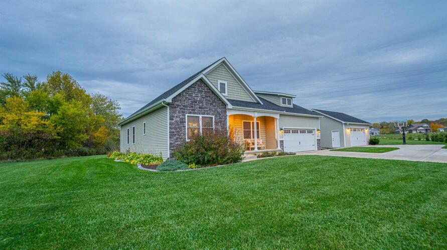 447  Hightower Drive Valparaiso, IN 46383 | MLS 483899