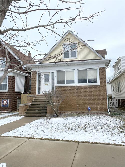 1733  Cleveland Avenue Whiting, IN 46394 | MLS 487339