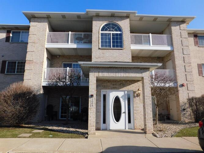 2009 W 75th Place Merrillville, IN 46410 | MLS 489795