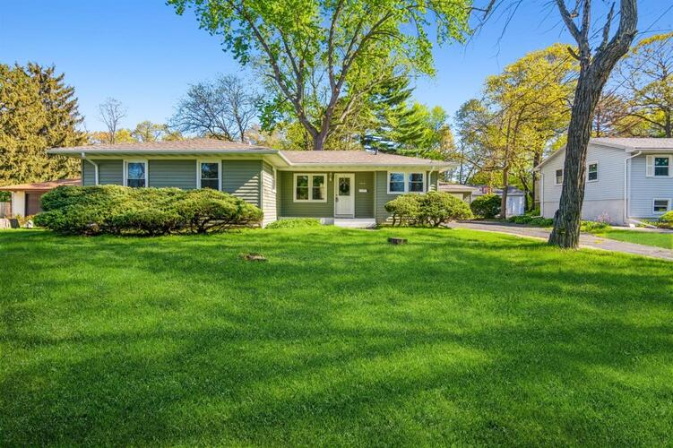 1010 E 40th Place Griffith, IN 46319 | MLS 493013