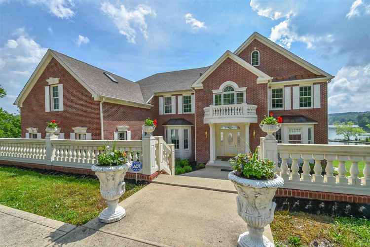7740 N Lakeview Drive Unionville, IN 47468-9795 | MLS 201823236