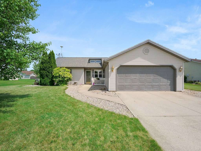 107  Henrietta  Avilla, IN 46710 | MLS 201827827