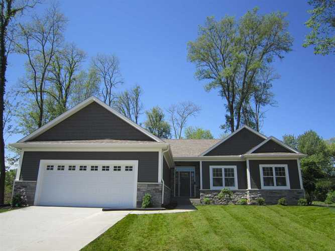 50881 Forest Lake Trail #61 South Bend, IN 46628 | MLS 201827899 | photo 1