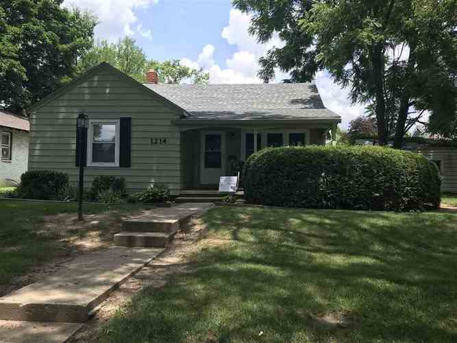 1214 W Gilbert  Muncie, IN 47303 | MLS 201832507