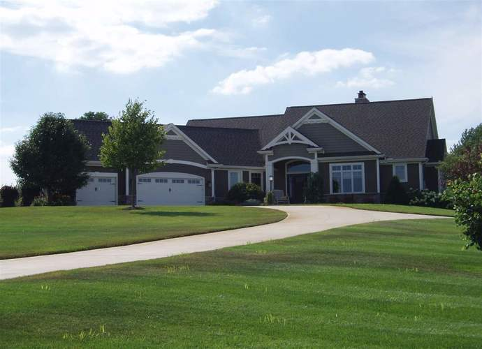 11339  Fishers Pond  Middlebury, IN 46540   MLS 201832903