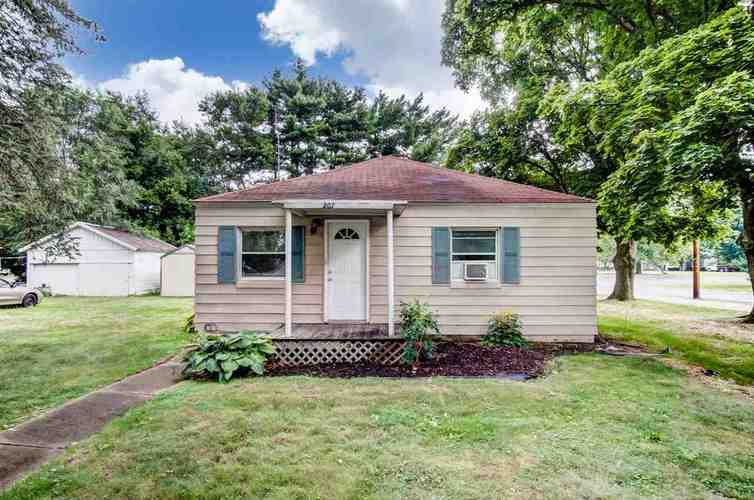 207 W Fourth Street Milford, IN 46542 | MLS 201833086