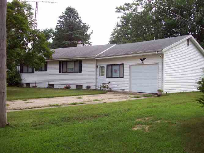 453 E Decker Drive Winamac, IN 46996 | MLS 201833133