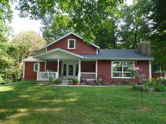 561 E Hollars Road Bloomfield, IN 47424 | MLS 201833424