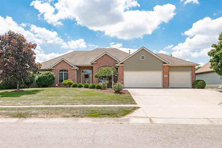 8824  Crestfield Court Fort Wayne, IN 46835 | MLS 201834397