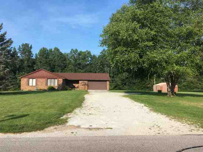 7738 N Clear Creek Road  Huntington, IN 46750 | MLS 201837855