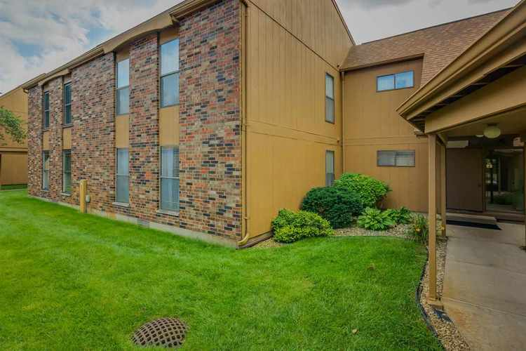 2025  Waterview Court South Bend, IN 46614 | MLS 201838252