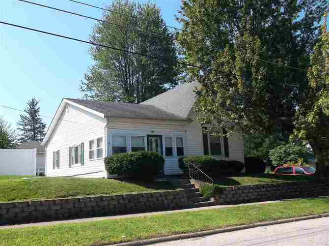 279 W Spring Street Bloomfield, IN 47424 | MLS 201838910
