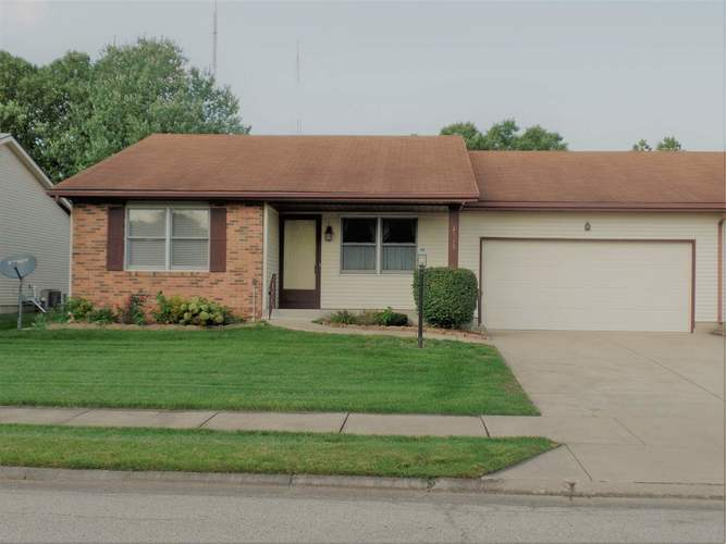 1915  Stonehedge Lane South Bend, IN 46614-6367 | MLS 201839079
