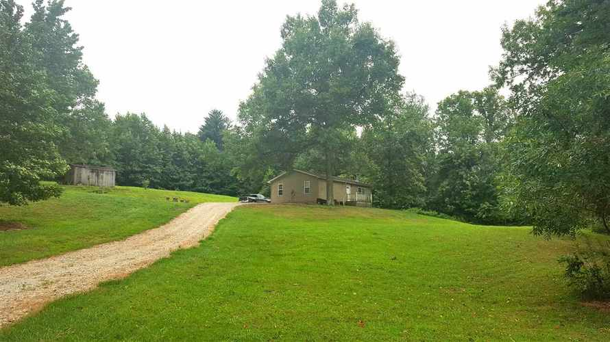 8477  Lincoln Trail Road Gentryville, IN 47537-7849 | MLS 201839618