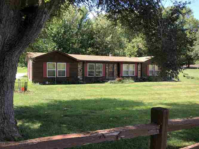 8716  Stockwell Road Stockwell, IN 47983   MLS 201840244