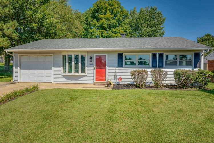1303 Cleveland Road South Bend IN 46628 | MLS 201840297 | photo 1