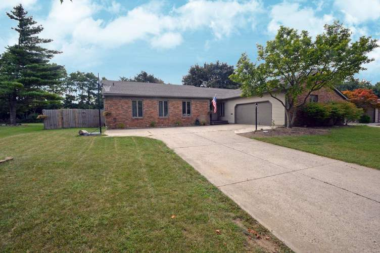 727  Old Farm Circle Fort Wayne, IN 46807 | MLS 201840467